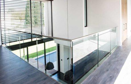 טיפים לטיפול ותחזוקה של מעקות זכוכית